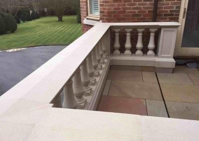balustrade portico